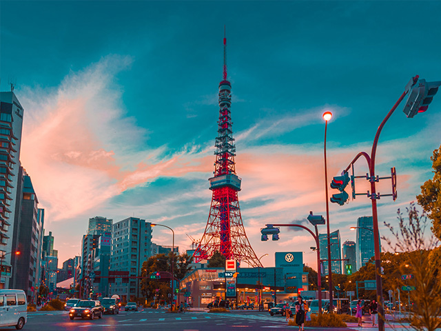 東京鐵塔這個充滿故事又有美景環繞的名景點